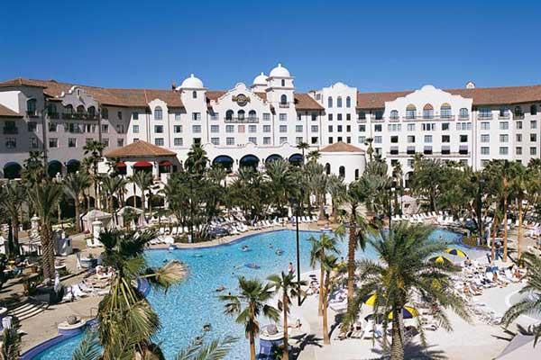 Universal hotels